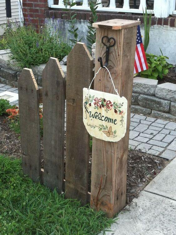 DIY Welcome Post