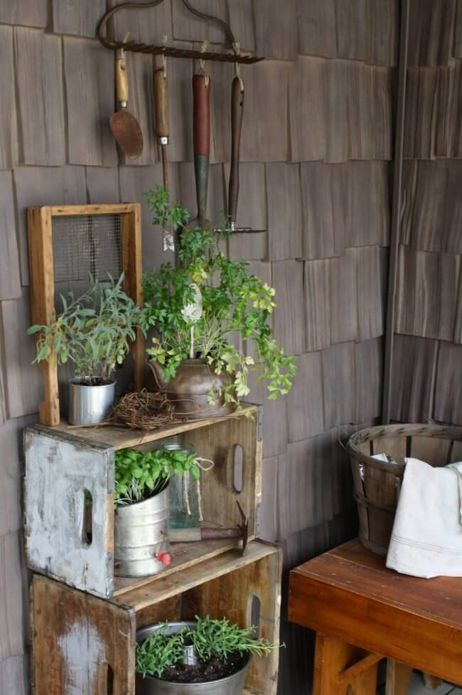 7 DIY Porch Decor Ideas That You Are Guaranteed To Love - Country Porch Gardening