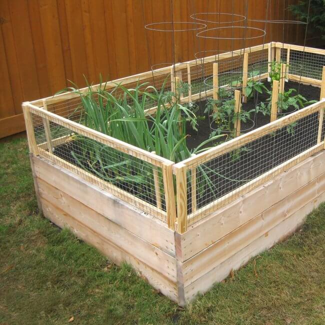 10 Genius DIY Raised Garden Bed Ideas