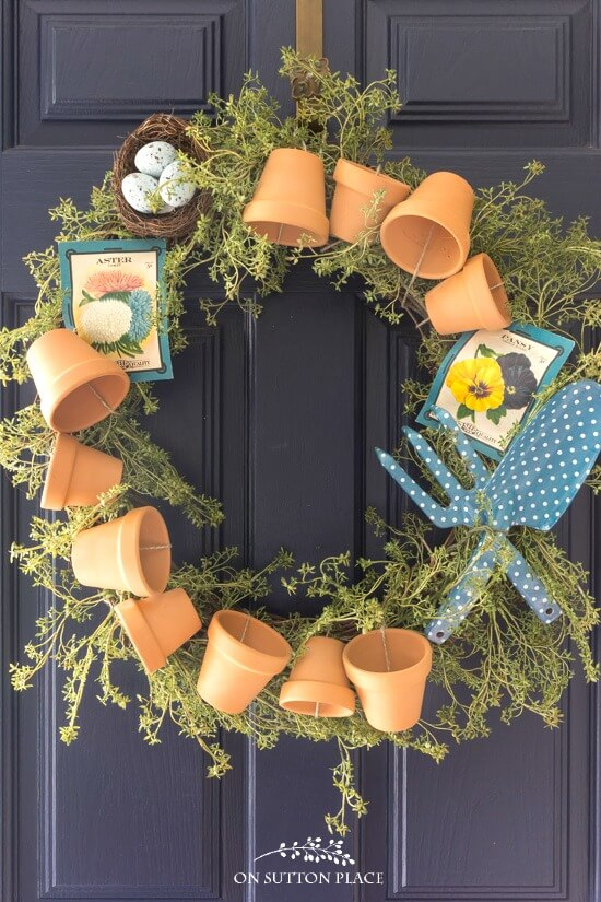 7 DIY Porch Decor Ideas That You Are Guaranteed To Love - DIY Summer Garden Wreath Tutorial
