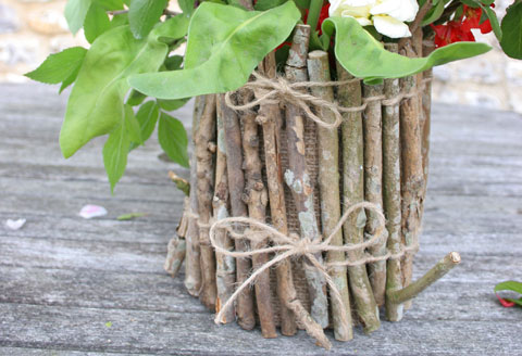 Twig flower pots for giving, or keeping: a tutorial