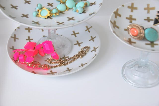A Gold And White Diy Jewelry Holder You Need To Make