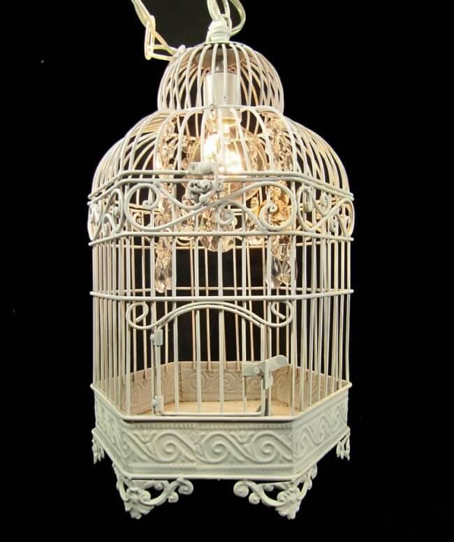 DIY Idea: Beautiful Vintage Birdcage Chandeliers
