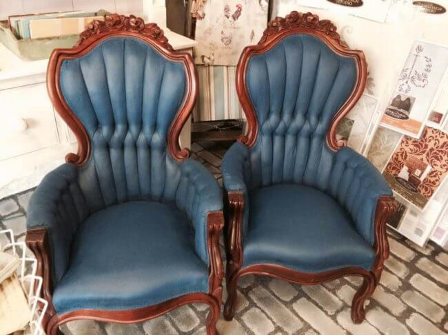 How To Paint Velvet Chairs With Chalk Paint