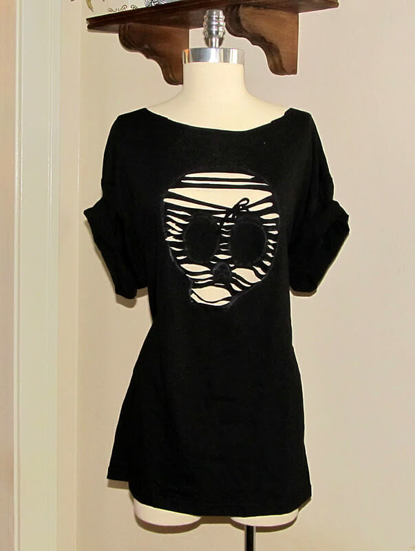 Skull Cut Out Tee