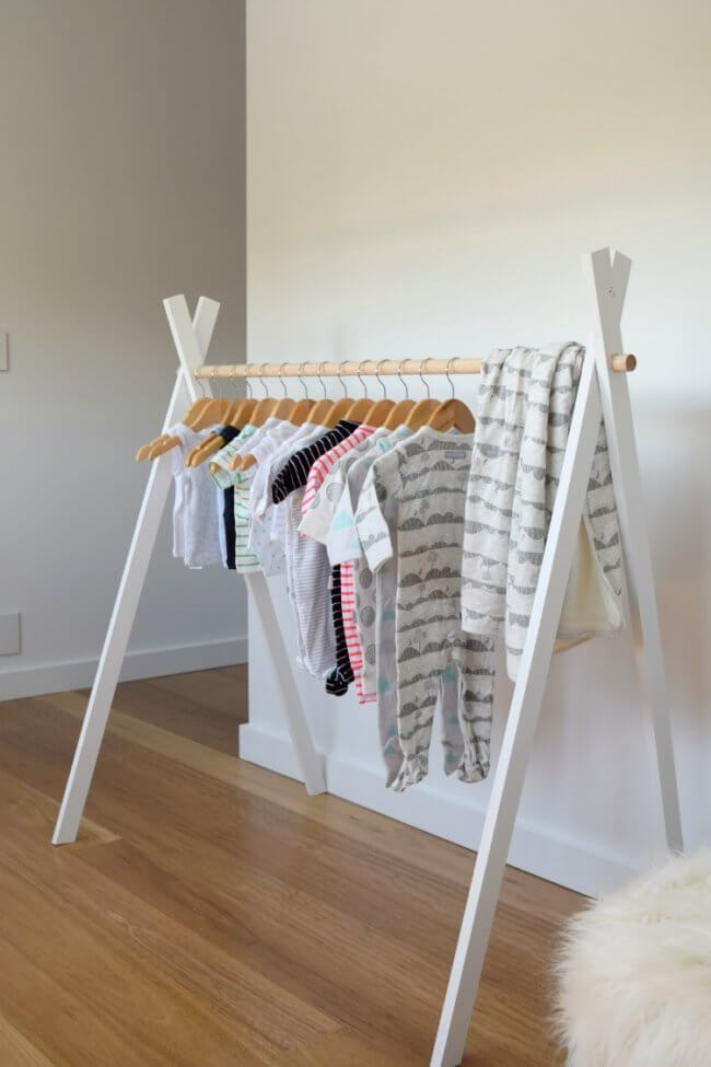 20 Astoundingly Simple Diy Clothes Rack Tutorials Crafty Club Diy Craft Ideas