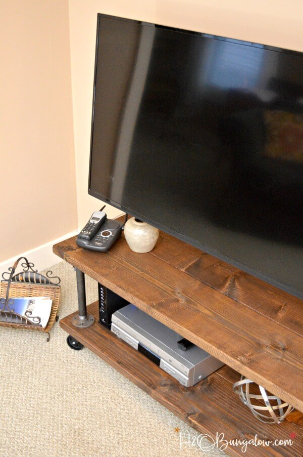 DIY Industrial Style Media Stand With Wheels
