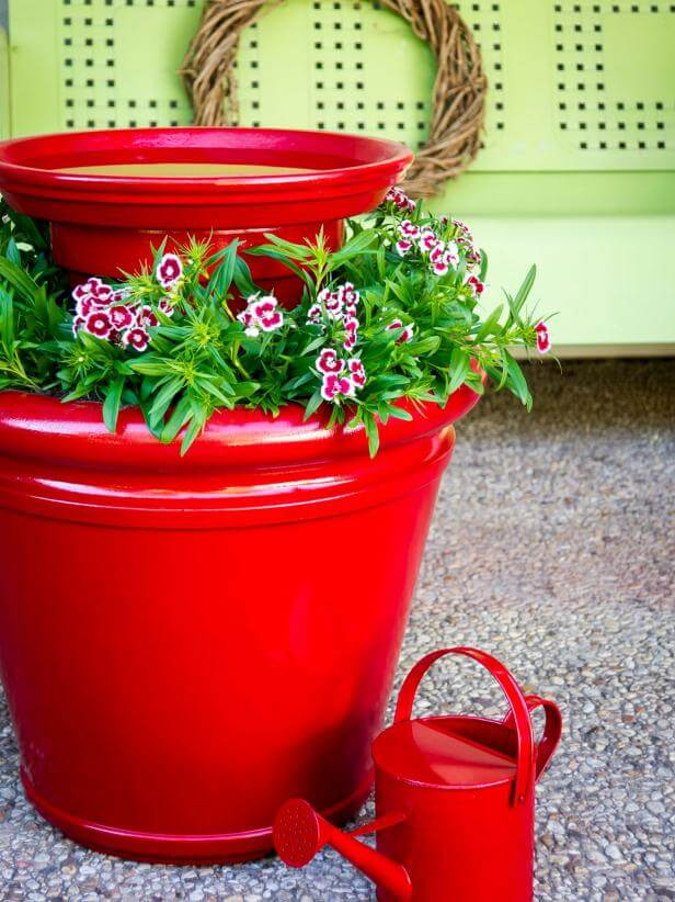 Make a Super Easy Planter Birdbath