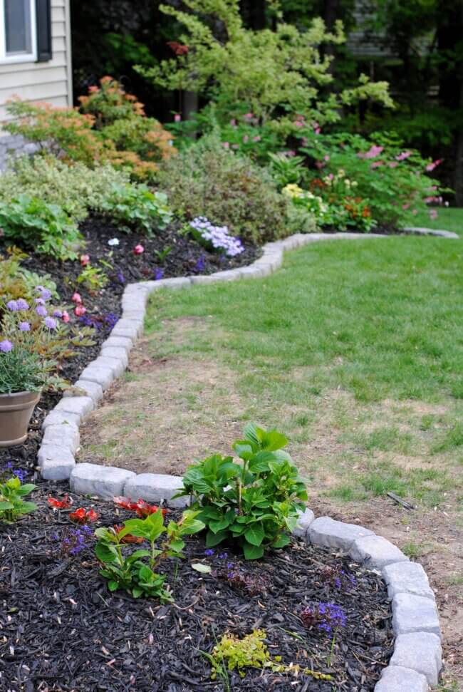 The Perfect Border for Your Beds: Defining a Garden's Edge With Stone
