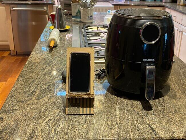 DIY Tabletop Cell Phone Stand
