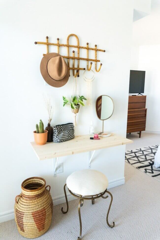 Easy & Affordable DIY Vanity Desk
