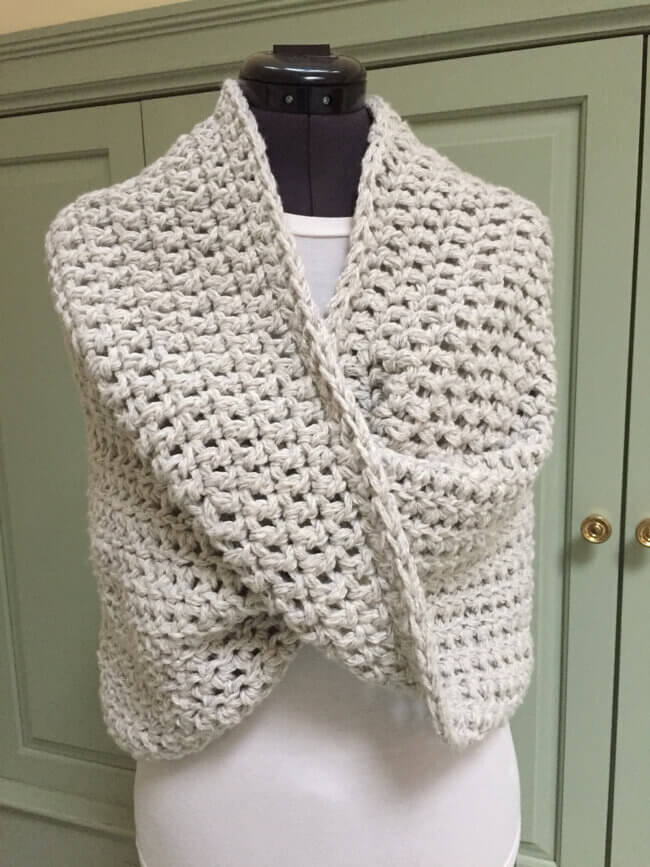 How to Crochet the Mobius Shawl Wrap