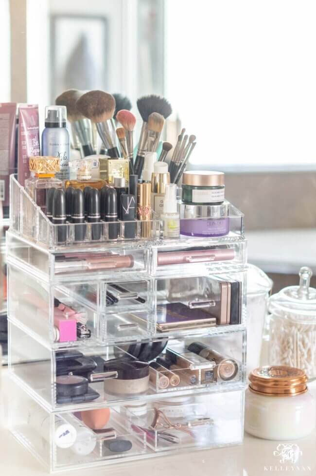 Makeup Organization — A New Solution to a Former Fail