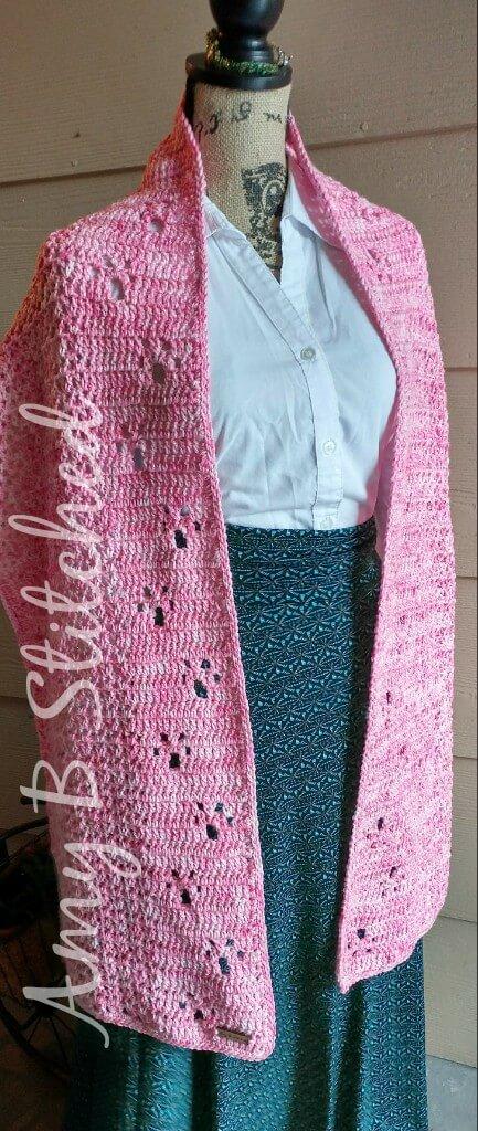 Meandering Paw Prints MEGA Scarf FREE crochet pattern