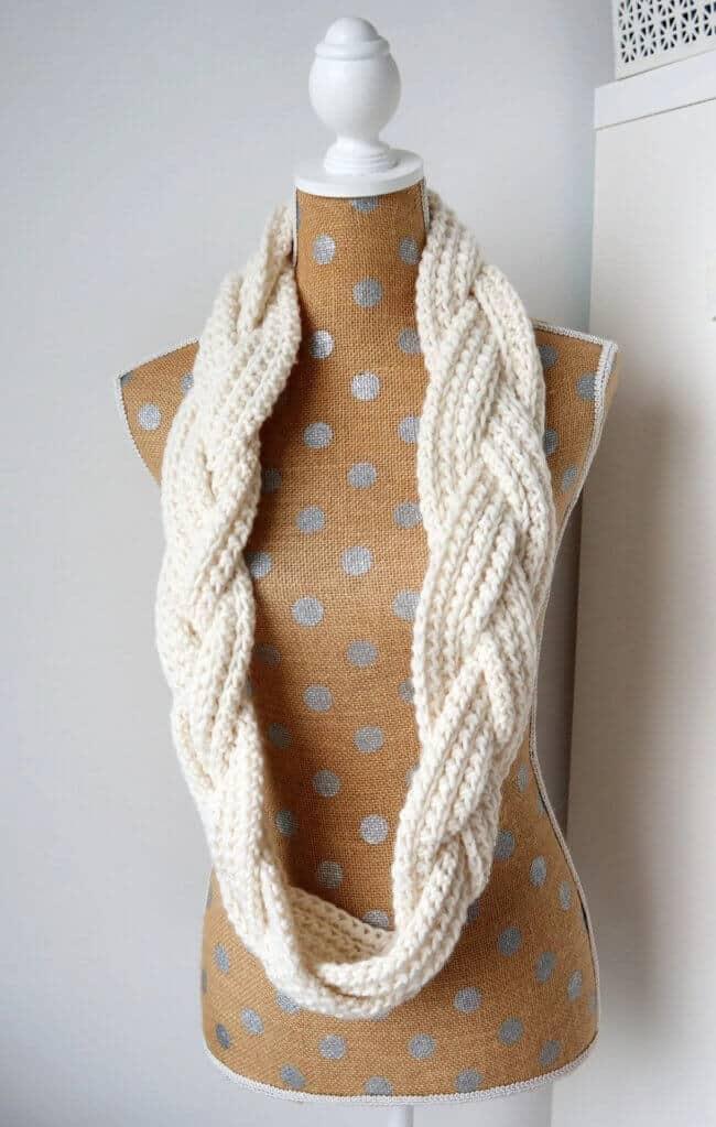 Braided Infinity Scarf – Free Crochet Pattern