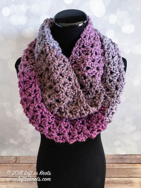 Crochet Frosted Berry Infinity Scarf - A Free One Skein Pattern