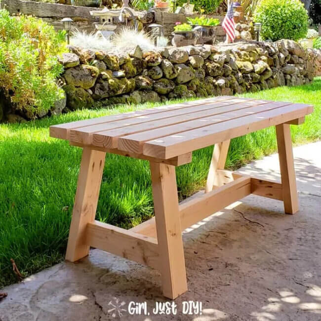 Modern 2×4 Bench – DIY Tutorial & Plans