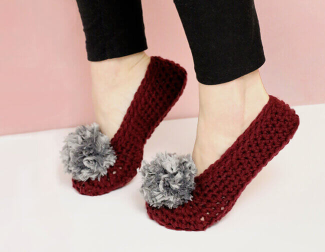 How To Crochet Slippers – Simple Fur Pom-pom Slippers Pattern