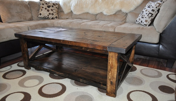 How to Build a Farmhouse Style Coffee Table