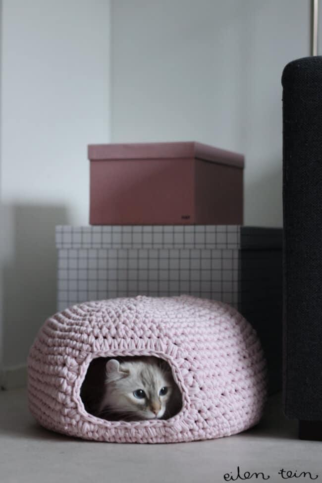 Crochet Cat Bed Pattern By Eilen Tein