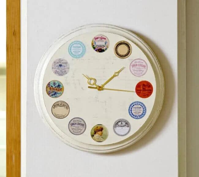 DIY Wall Clock with Vintage Farmhouse Style