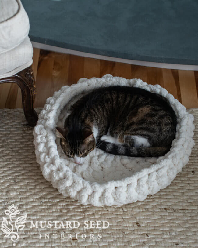 Easy Crochet Cat (Or Dog) Bed Tutorial & Pattern