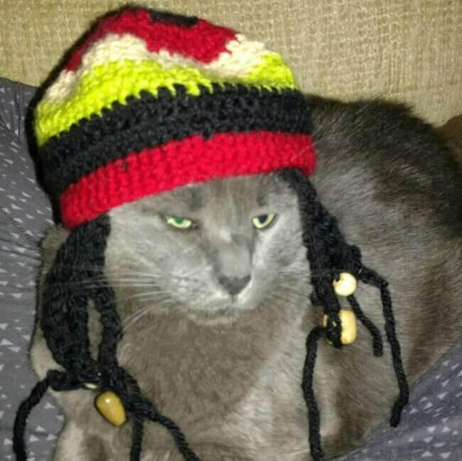 Rastafarian bob marley rasta dreadlocks hat with wooden beads