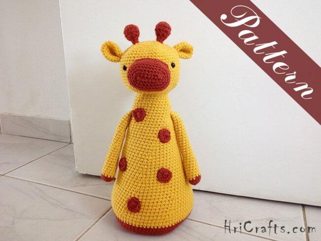 Crochet giraffe doorstopper, pattern giraffe amigurumi