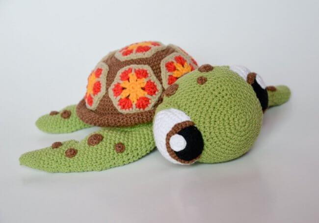 Crochet pattern sea turtle