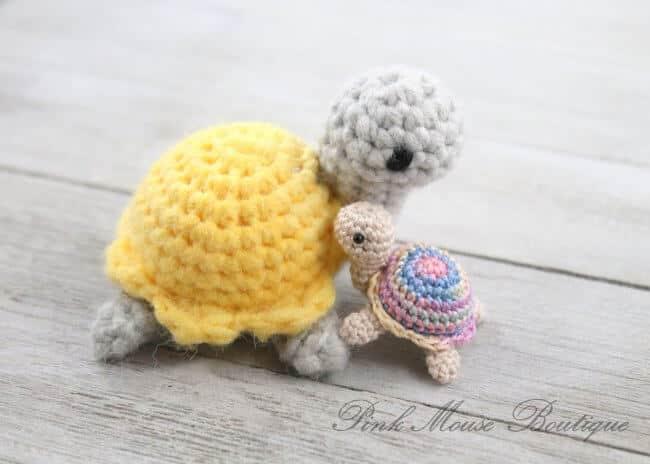 Little Miss Turtle (Free Crochet Pattern)
