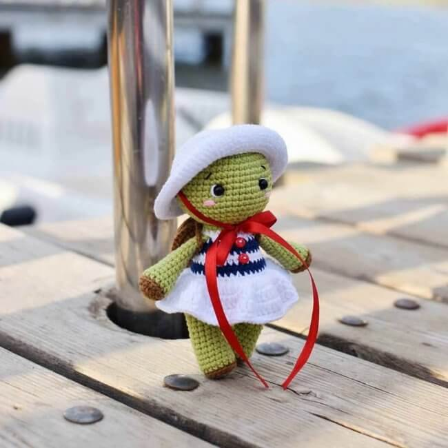 Nika the turtle crochet pattern