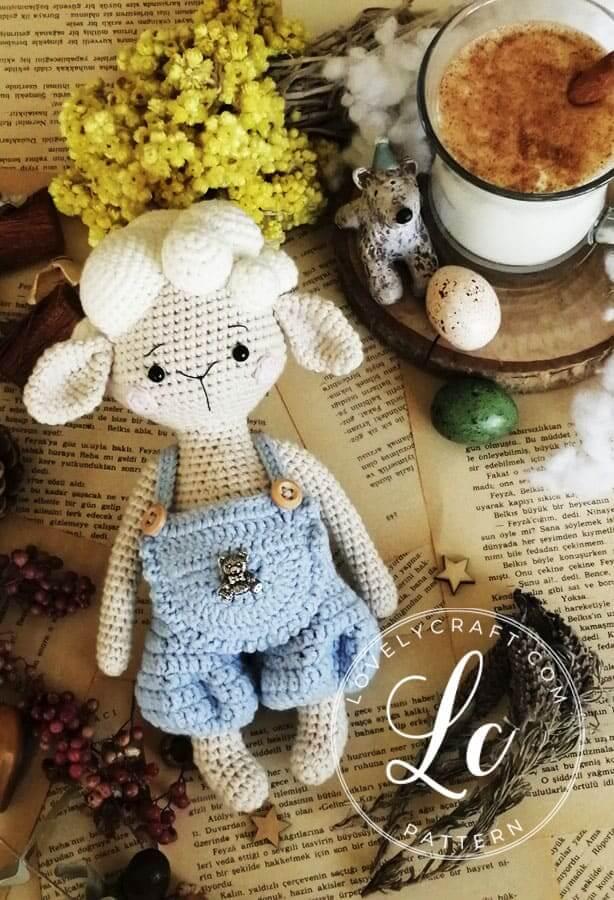 Lamb muffin Amigurumi Crochet Pattern