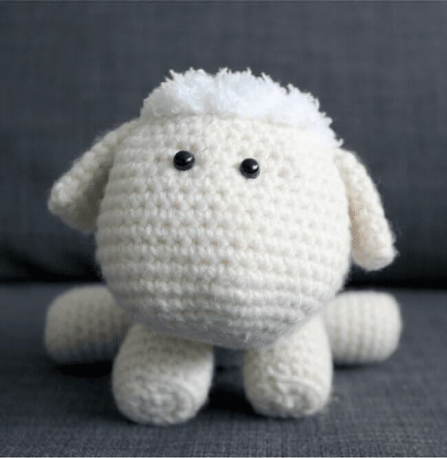 Rosemary the Lamb Amigurumi Crochet Pattern