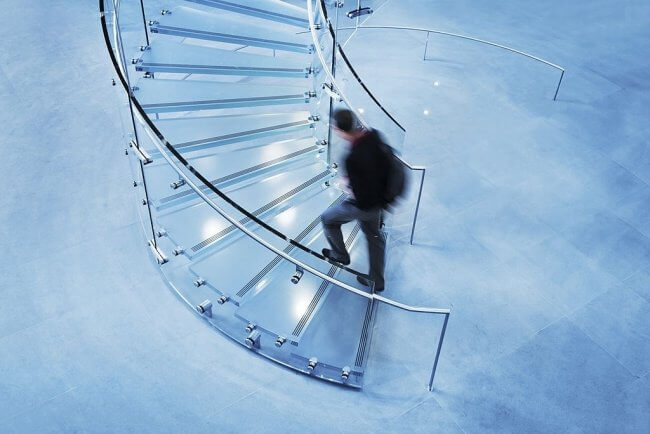 A Tempered Glass Staircase Is A New Trend